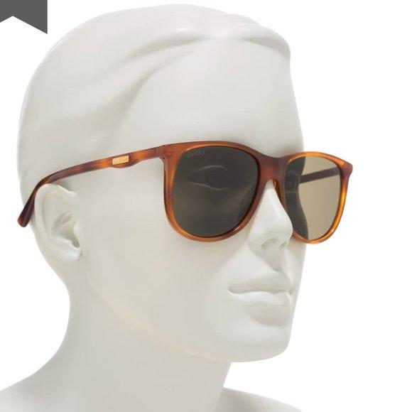 GUCCI NWT Square Sunglasses in Green Velvet Case